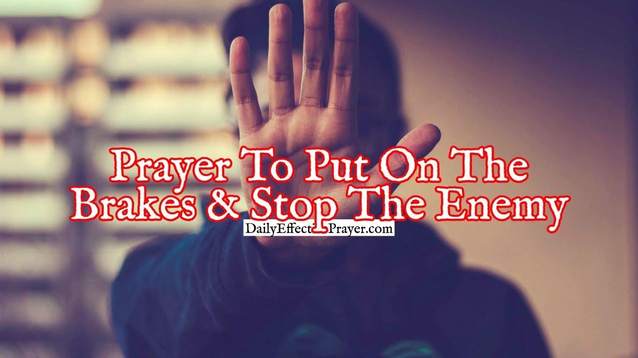 <pre><pre> Oración para frenar y evitar que el enemigo juegue con su vida
