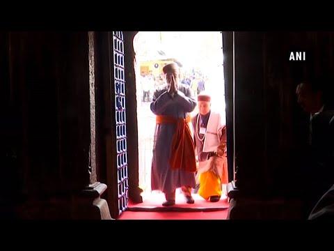 El primer ministro Modi ofrece oraciones en Kedarnath y luego va a Badrinath